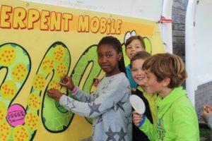 Photo Emile, le serpent mobile à l'école de Barvaux/Ourthe
