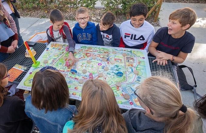 Optimove Junior : enfants qui jouent